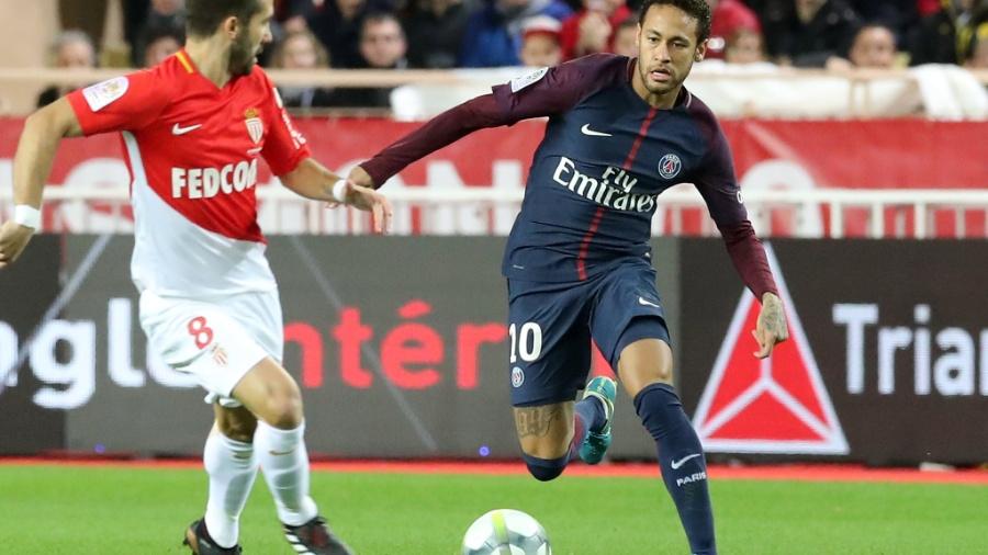 Neymar em ação pelo PSG contra o Monaco - EFE/EPA/SEBASTIEN NOGIER