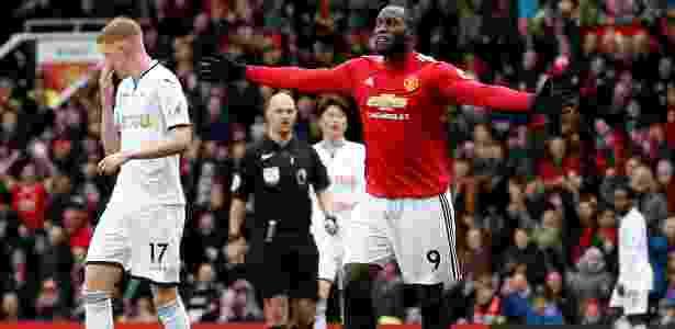 6553f1e042 Lukaku marca seu 100º gol no Inglês e United vence o 4º jogo seguido ...