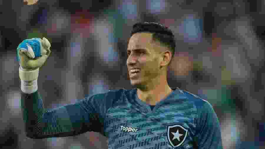 Gatito Fernández foi o herói do Botafogo, pegou duas penalidades e foi decisivo em classificação do Botafogo - Fernando Soutello/AGIF