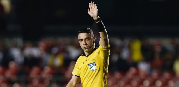 Atuação do árbitro Igor Benevenuto gerou revolta no time do Vitória