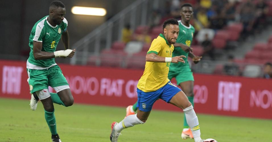 Neymar durante jogo entre a seleção brasileira contra Senegal