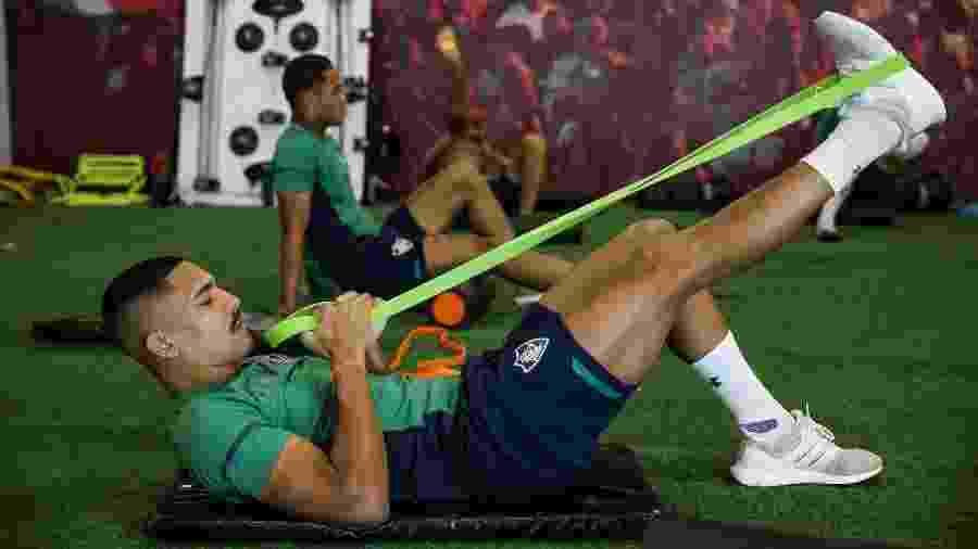 Lateral direito Gilberto se recupera de lesão durante paralisação e tem acompanhamento do Fluminense - Lucas Merçon / Fluminense F.C.