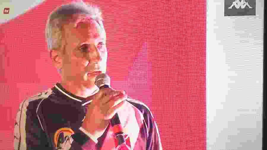 Alexandre Campello anunciou desconto de 15% nos uniformes da Kappa para os sócios do Vasco - Reprodução / Vasco TV