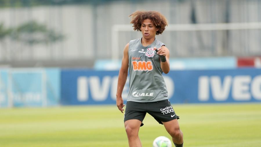 Biro, do sub-17, participou do treino junto com os profissionais do Corinthians - Rodrigo Coca/Agência Corinthians