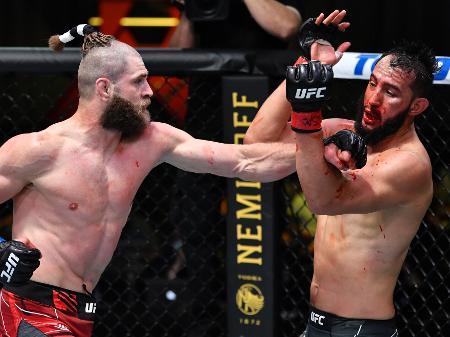 UFC Vegas 25: Jirí Procházka nocauteia Reyes e rouba a cena