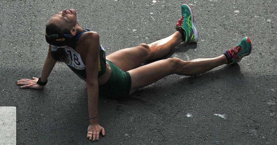 Adriana da Silva desaba depois de completar a maratona na segunda colocação
