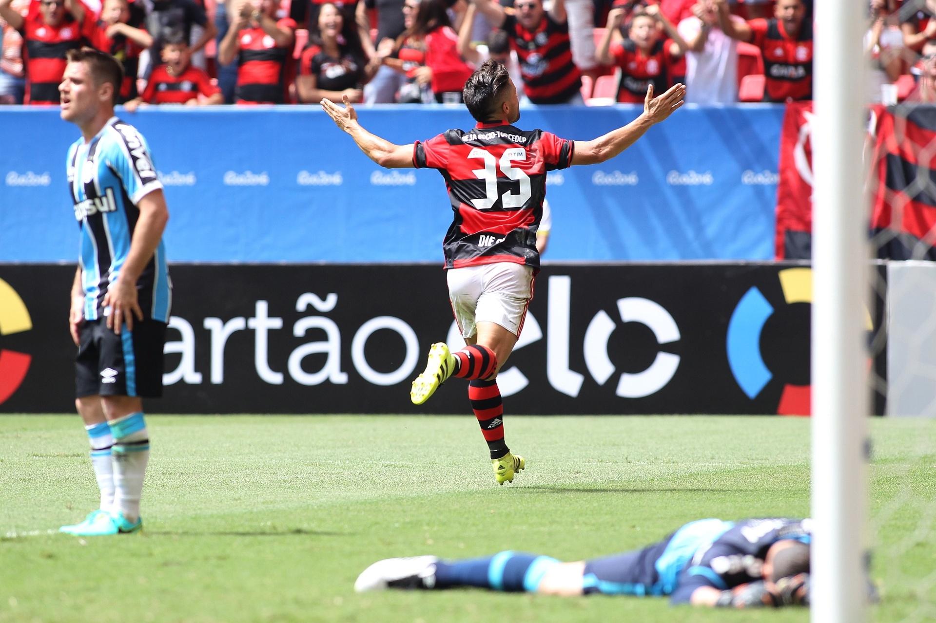 Diego estreia com gol 28f1caecc3db7