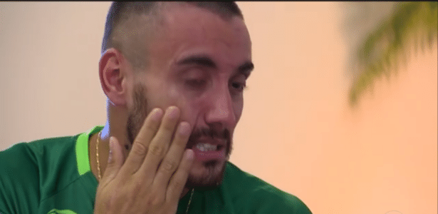 Ruschel chora no Fantástico - Reprodução/Rede Globo