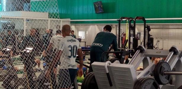 Felipe Melo trabalhou ao lado dos companheiros na academia
