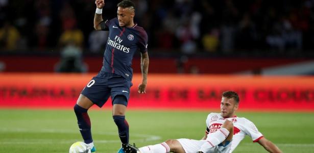 Neymar brilha pelo PSG, mas ainda precisa comentar fase do Barcelona - REUTERS/Benoit Tessier