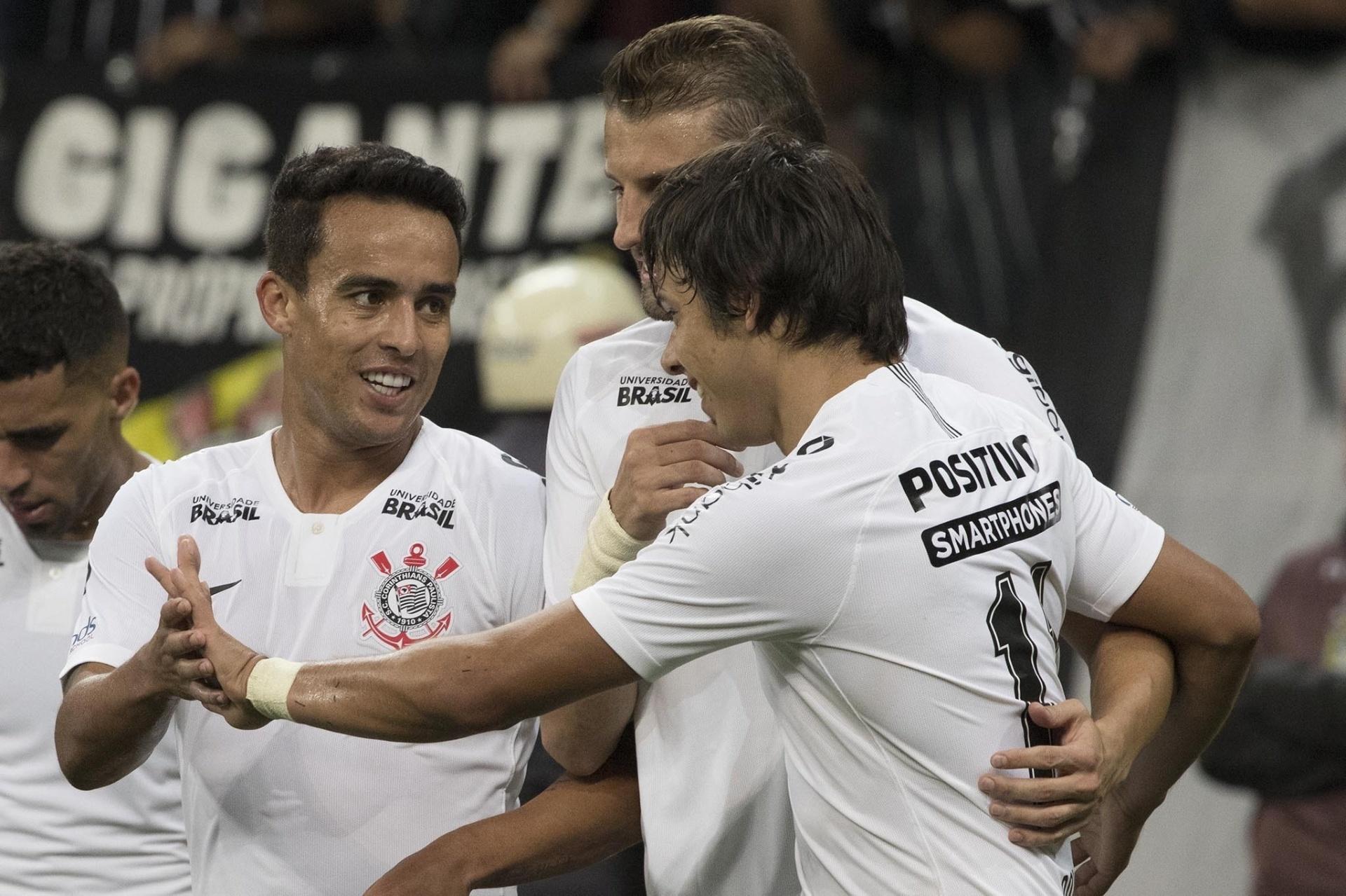 2b4d4c1a30 Corinthians bate Vitória com dois de Romero e vai às quartas da Copa do BR  - 10 05 2018 - UOL Esporte