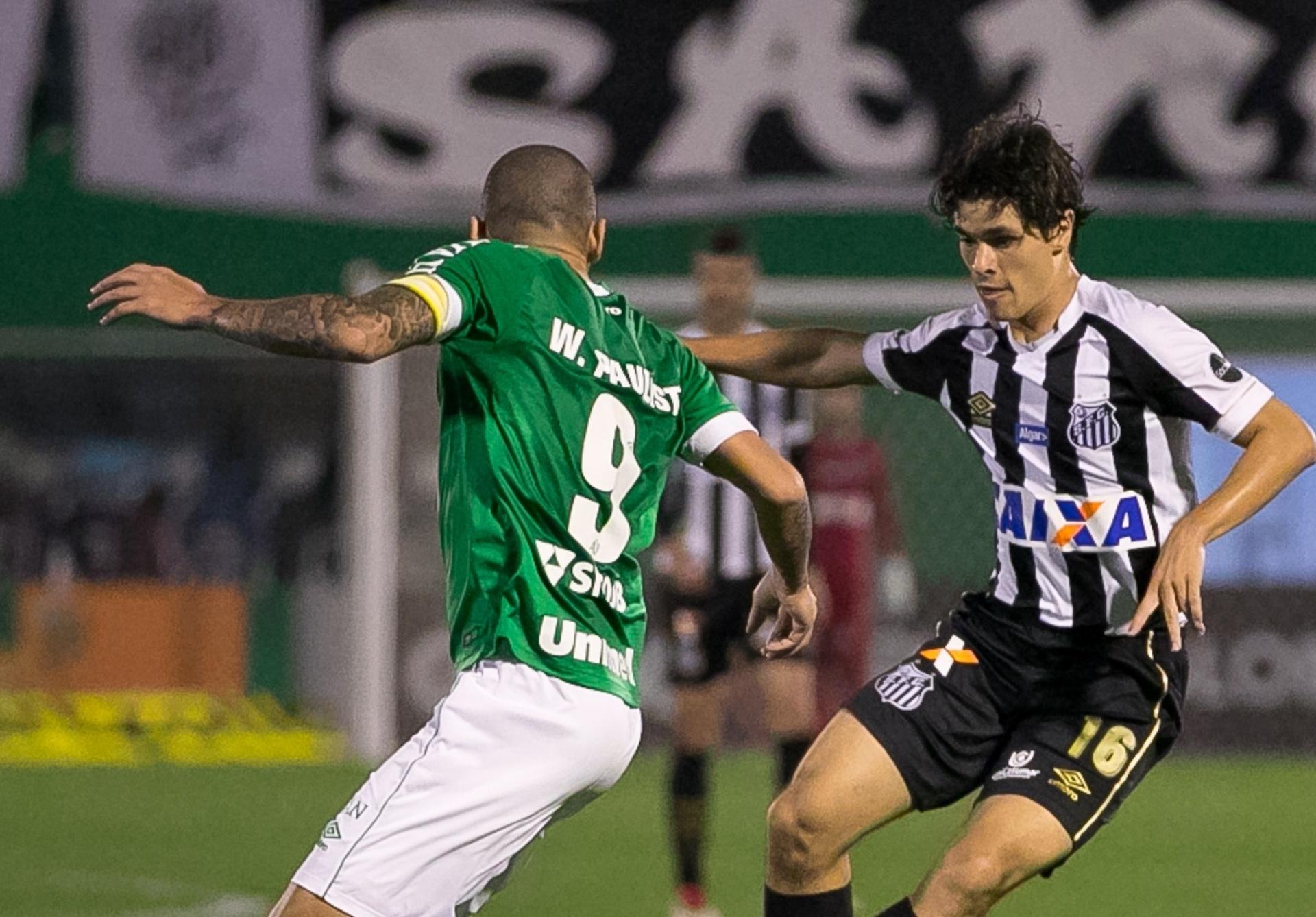 Dodô só quer falar de renovação com o Santos após término do Brasileirão -  04 09 2018 - UOL Esporte 76b82393d08be