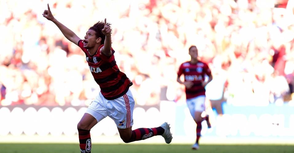 William Arão comemora primeiro gol do Flamengo sobre o Atlético-MG