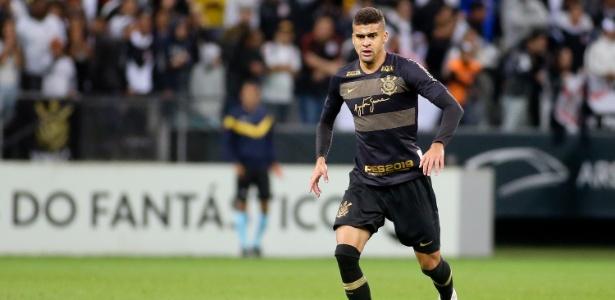 Léo Santos em ação pelo Corinthians: zagueiro de 19 anos virou titular no 2º semestre - Rodrigo Coca/Ag. Corinthians