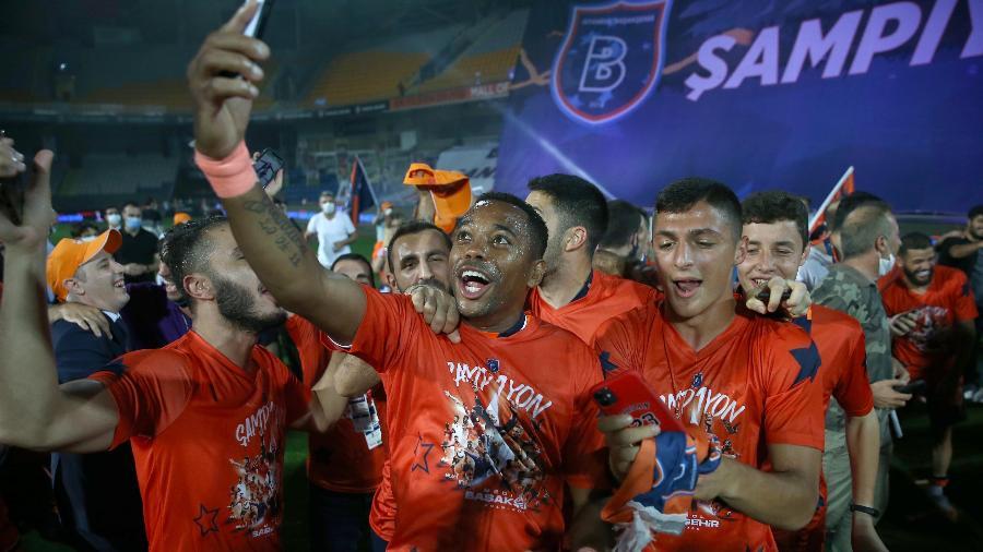 Istambul Basaksehir, de Robinho, é a novidade na fase de grupos da próxima Champions - Anadolu Agency via Getty Images