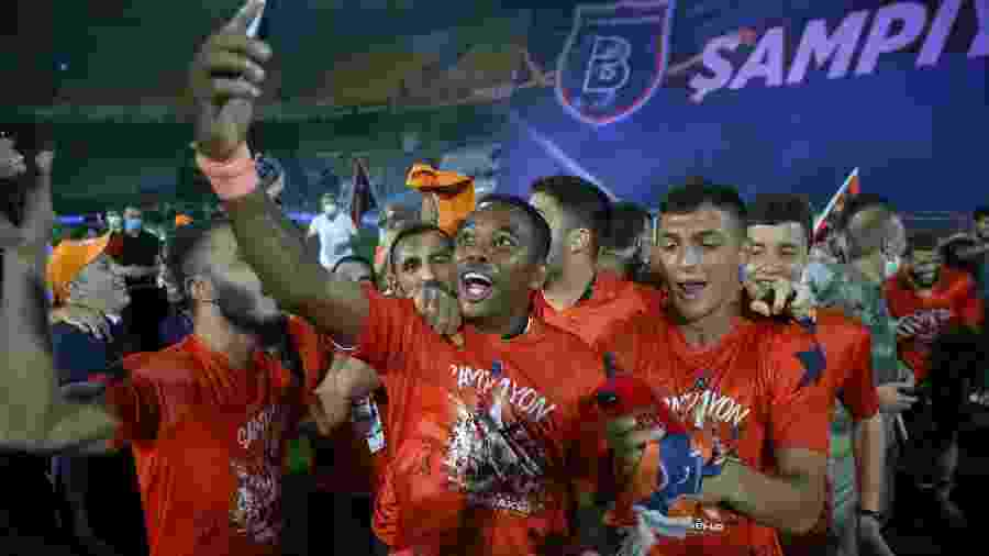 Robinho campeão turco pelo Istanbul Basaksehir  - Anadolu Agency via Getty Images