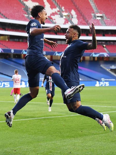 Neymar e Marquinhos comemoram primeiro gol do PSG sobre o RB Leipzig em semifinal da Champions - David Ramos/Getty Images