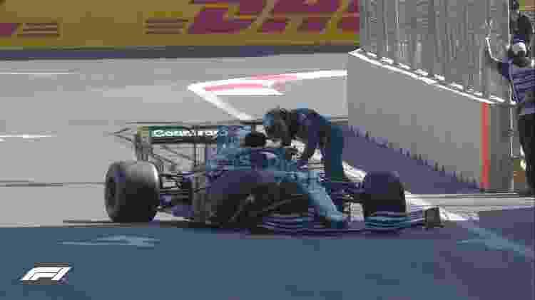 Lance Stroll deixa a corrida após perder o controle do carro  - Reprodução/Fórmula 1 - Reprodução/Fórmula 1