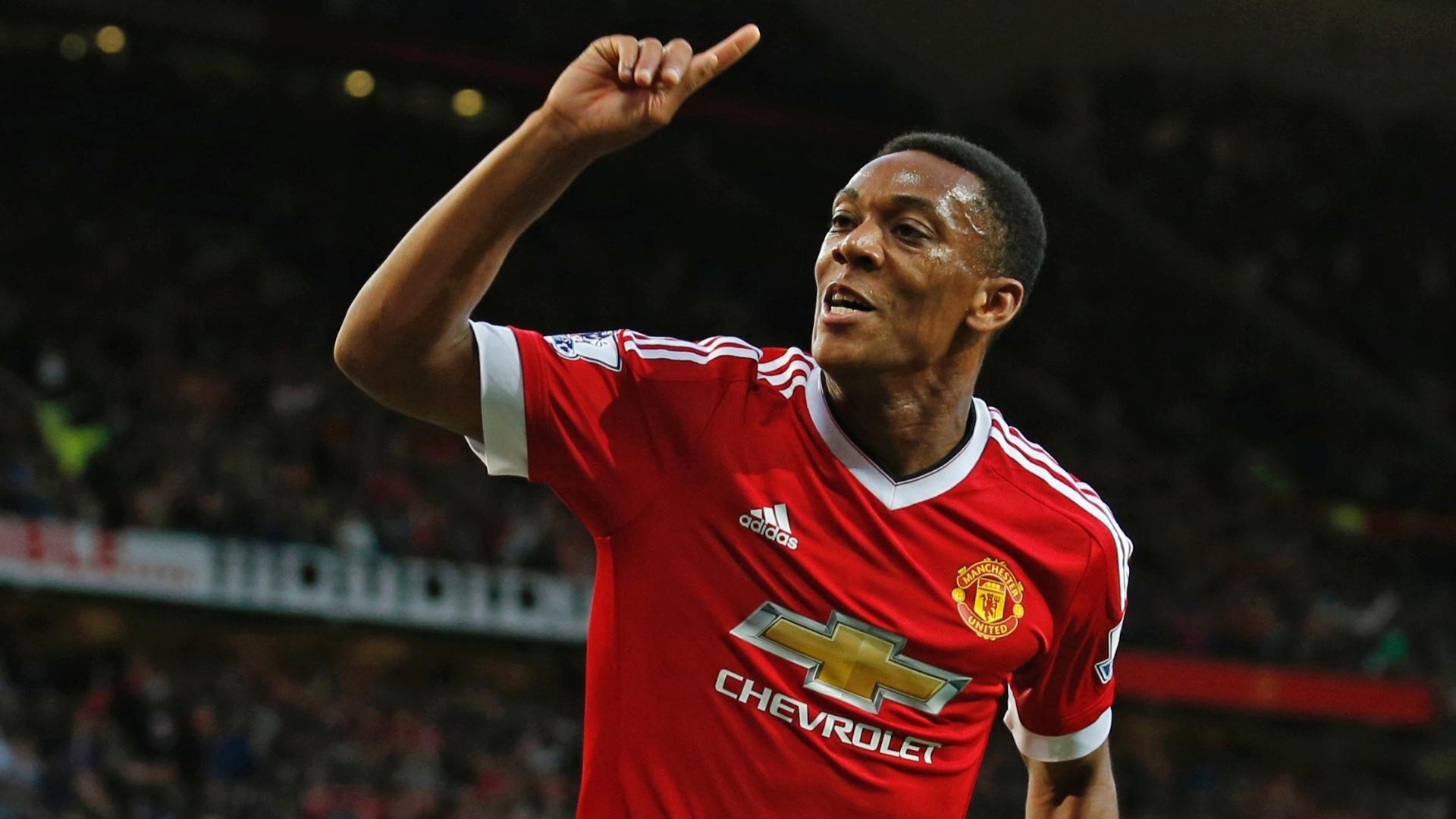 Anthony Martial comemora seu gol marcado logo na estreia contra o Liverpool