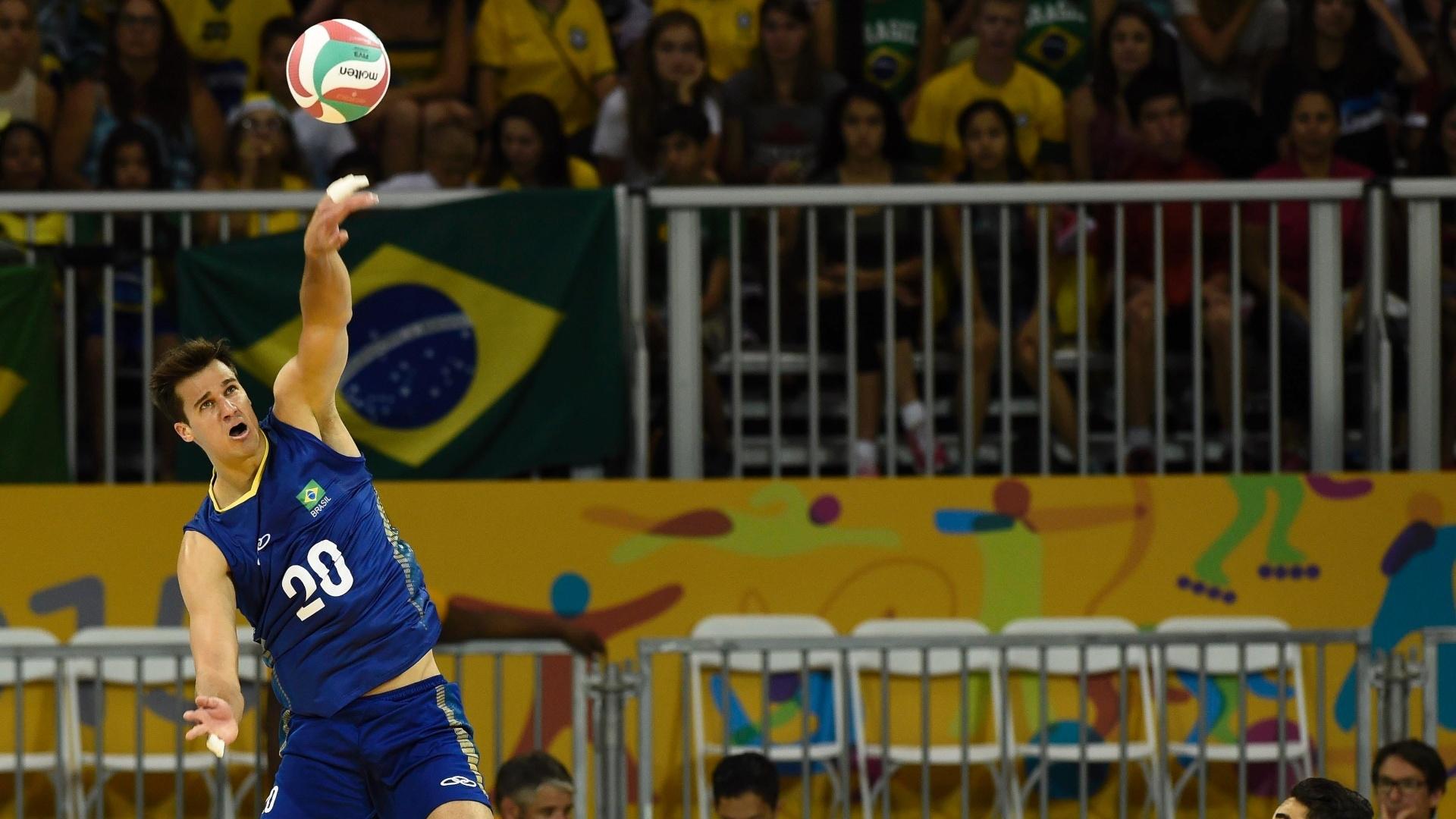 Renan em ação pela seleção brasileira de vôlei no Pan de Toronto