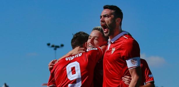 Sevilla comemora gol de Nasri
