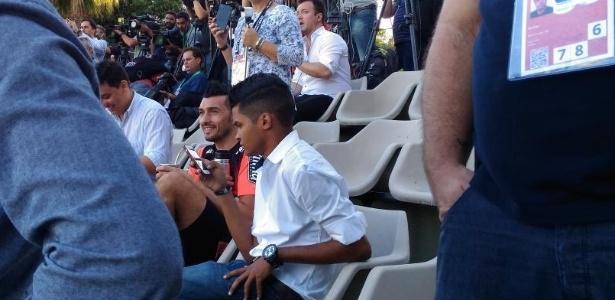 Dátolo acompanha treino da Argentina na Cidade do Galo