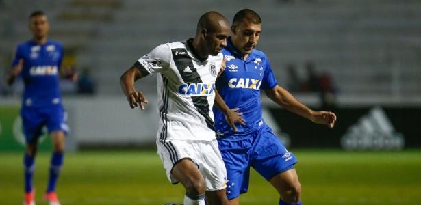 Marllon em ação pela Ponte, no ano passado; agentes insistem em ida ao Corinthians