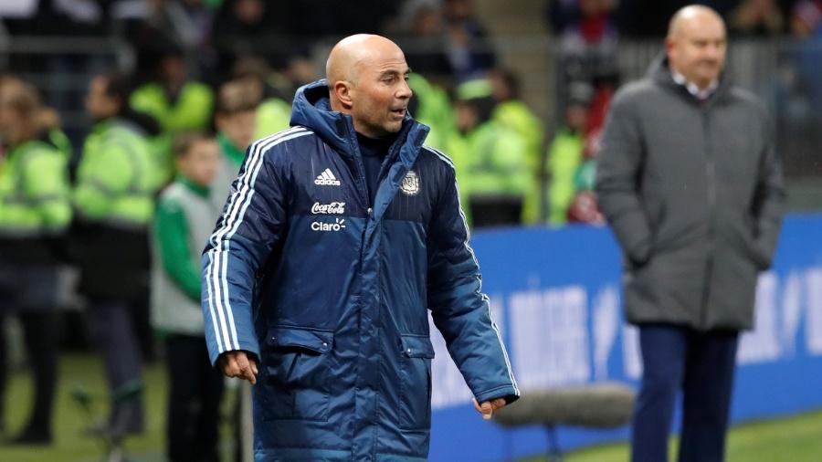O técnico Jorge Sampaoli durante partida da Argentina contra a Rússia - Sergei Karpukhin/Reuters
