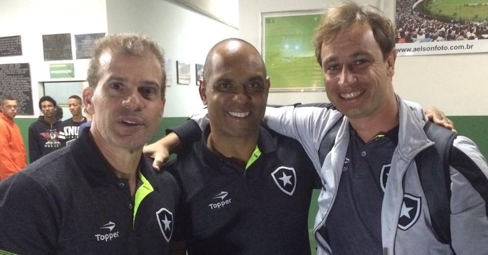 Felipe Tigrão, novo técnico do Botafogo, ao lado de Donizete Pantera e Túlio Maravilha, seus companheiros de clube nos anos 1990