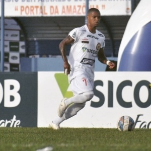 Robinho tem 27 anos e já passou pela base do Santos e pelo Bragantino