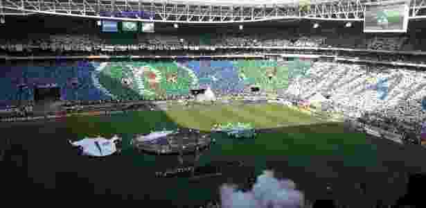 Torcida do Palmeiras faz mosaico no Allianz Parque para decisão contra o  Corinthians Imagem  Danilo Lavieri 63410d9e51a64
