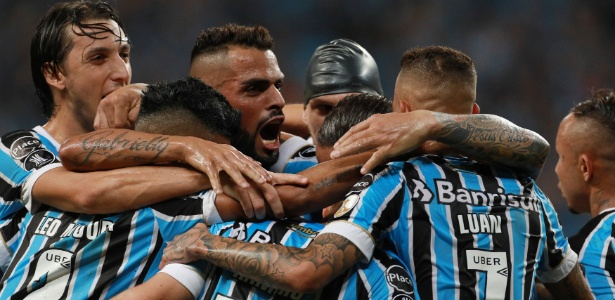 Time gaúcho tem seis vitórias e dois empates no mês de maio e fez 17 gols no período