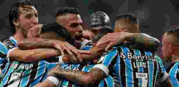 Time gaúcho tem seis vitórias e dois empates no mês de maio e fez 17 gols no período - Diego Vara/Reuters
