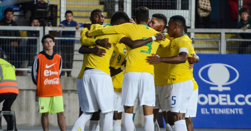 e90f89c68a Seleção brasileira sub-20 comemora gol em amistoso contra o Chile