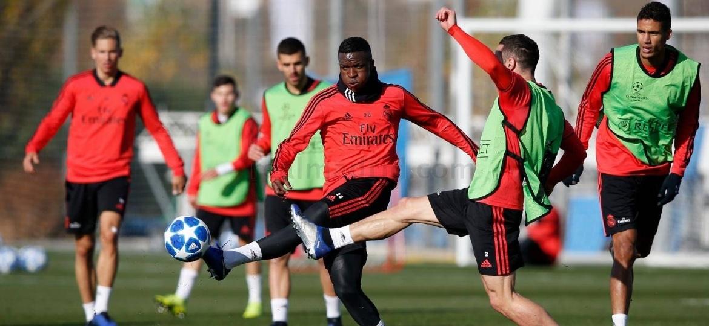 Vinicius Junior participa do treinamento desta terça-feira (11) no Real Madrid - Divulgação/Real Madrid CF