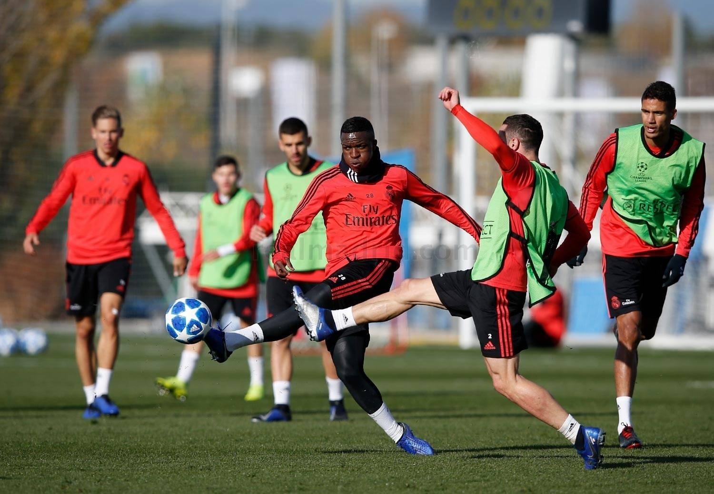 Vinicius Junior Real Madrid treinamento