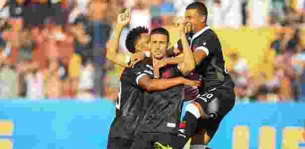 Thiago Galhardo comemora gol do Vasco contra o Madureira - Jotta de Mattos/AGIF - Jotta de Mattos/AGIF
