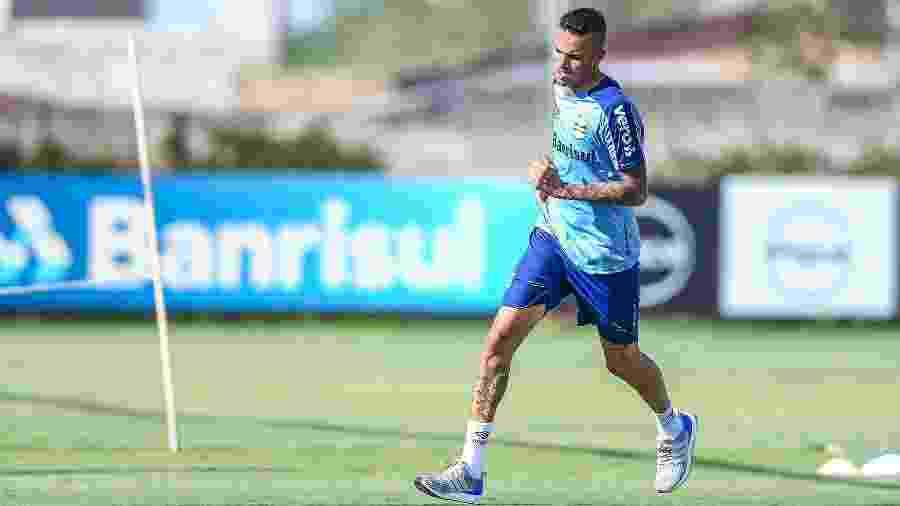 Luan participa de treinamento físico no CT do Grêmio, agora sem dor no pé direito - Lucas Uebel/Grêmio