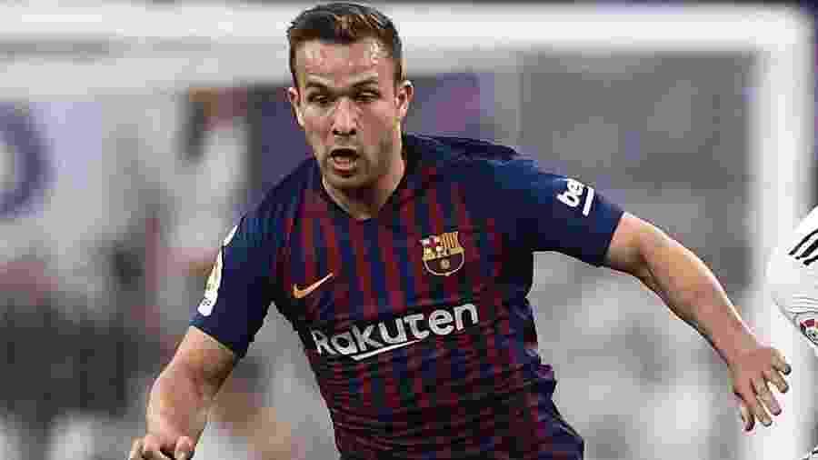Imprensa espanhola colocou Arthur como um dos melhores do Barcelona na vitória sobre o Real Madrid - Oscar Del Pozo/AFP