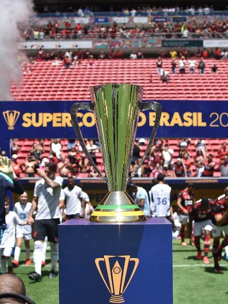 Jogador de Flamengo e Athletico-PR entram em campo para Supercopa - Andre Sousa Borges/CBF