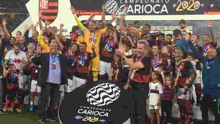 Elenco do Flamengo celebra conquista da Taça Guanabara - Caio Blois / UOL Esporte
