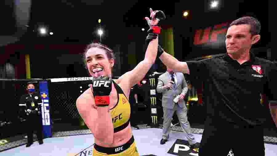 Mackenzie Dern vence no UFC - Getty Images
