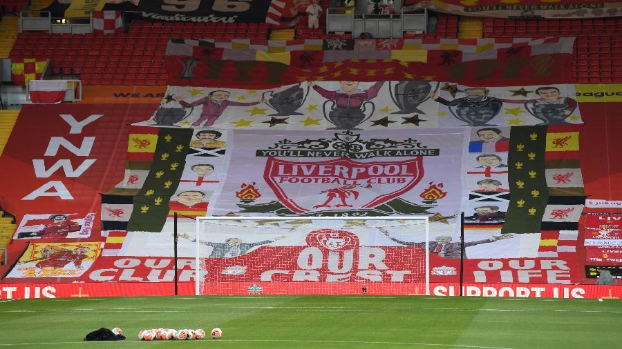 Nome do integrante do Liverpool com covid-19 não foi revelado pelo jornal - Shaun Botterill/Getty Images