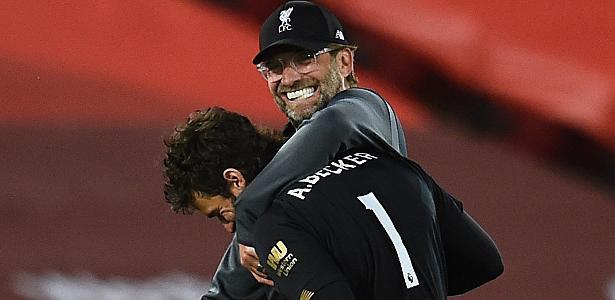 Liverpool é coroado de novo com Klopp e vence Premier League pela 1ª vez