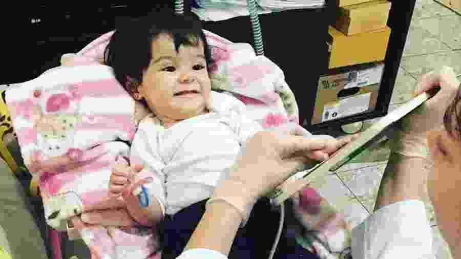 Julia tem AME e precisa de um remédio de R$ 12 milhões para sobreviver - Reprodução/Instagram