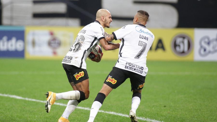 Fábio Santos marcou o gol do Corinthians no jogo contra o São Bento  - Rodrigo Coca/ Ag. Corinthians