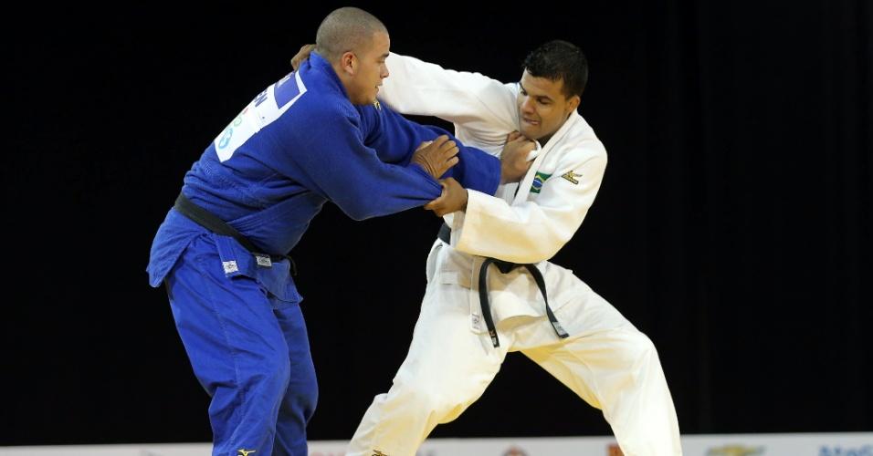 Luciano Correa vence Antony Pena, da Venezuela, nas quartas de final do judô até 100kg
