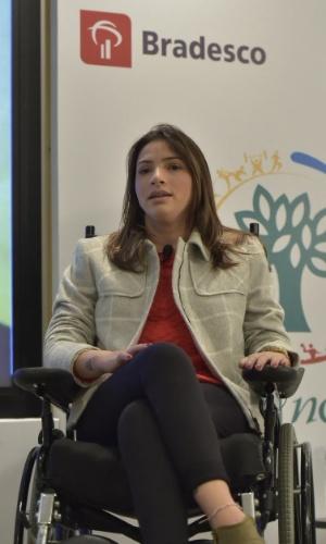 11.ago.2015 - Ex-ginasta Lais Souza participa de debate em São Paulo