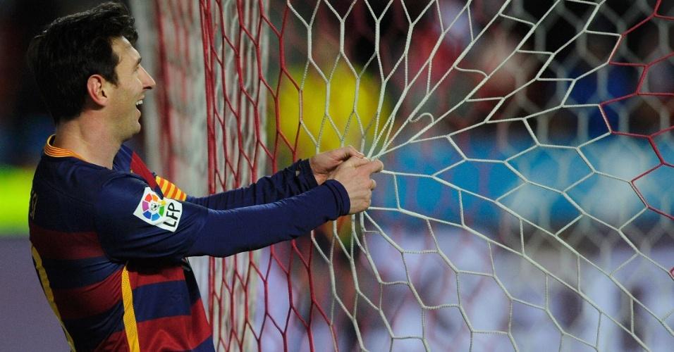 Lionel Messi marcou o gol de número 10.000 da história do Barcelona contra o Sporting de Gijón
