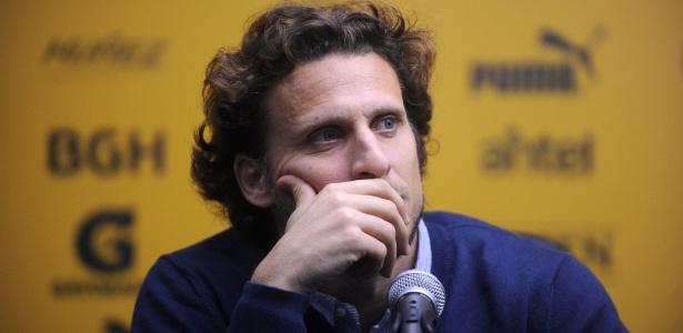 Diego Forlán convocou entrevista coletiva para anunciar sua saída do Peñarol